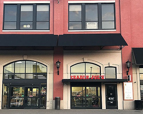 Growth Spurt: Walnut Capital Acquires Shopping Center Next to Bakery Square
